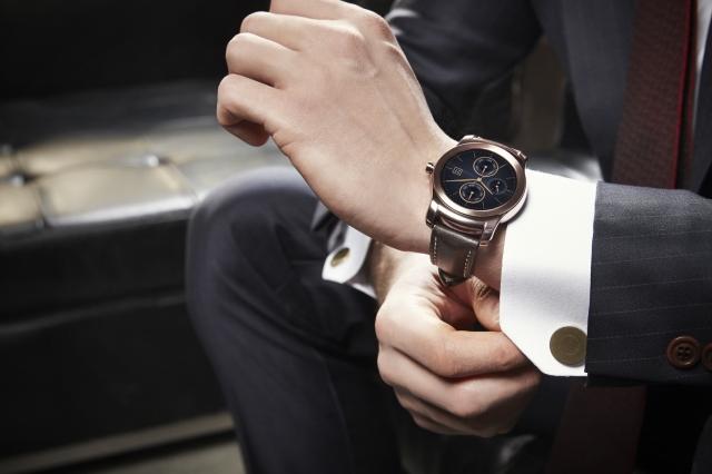 LG Watch Urbane _Lifestyle_1