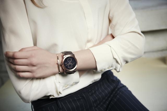 LG Watch Urbane _Lifestyle_2